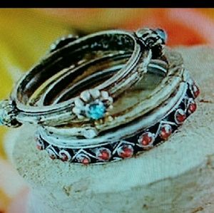Jewelry - BUNDLE of 4pcs Stackable Bands Rings